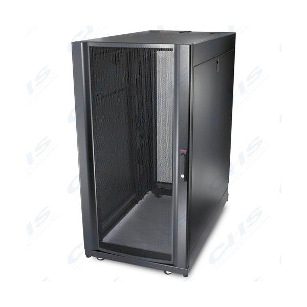 APC AR3104 NetShelter SX zárható rack szekrény 24U magas, (max.1360 kg, 600mm széles x 1070mm mély) fekete